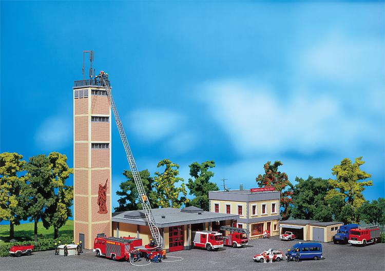 Faller 130989 Ho Scale Fire Station With Commanders Building