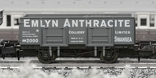 Dapol 2F-038-009 20t Steel Mineral Wagon Emlyn Anthracite