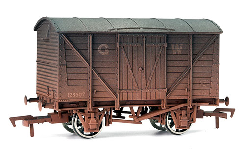 Dapol 4F-012-004  Ventilated Van GWR Weathered