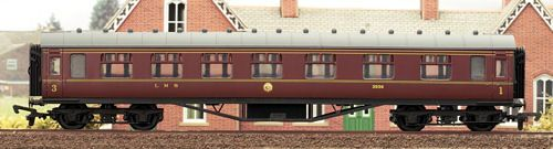 Dapol 4P-010-043 60ft Stanier Corridor Composite LMS Lined Maroon 3942