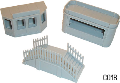 Dapol C018 - OO - Kiosk and Steps Kit