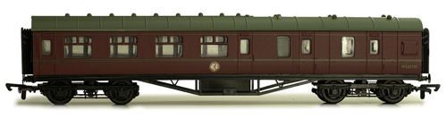 Dapol C104D 57ft Stanier Corridor Brake BR Maroon Lined M5657M Kit
