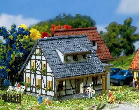 Faller 282760  Half-Timbered House Era III