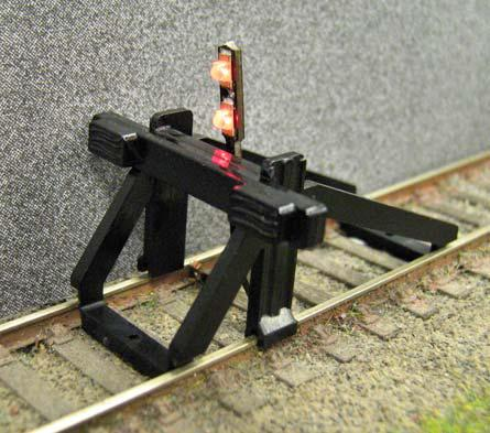 Gaugemaster GM55 Buffer Stop - OO Scale with Light