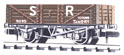 NR-40S Peco: (RAILWAY COMPANY SERIES 10 FT WHEELBASE ) Mineral, 5 plank SR, brown